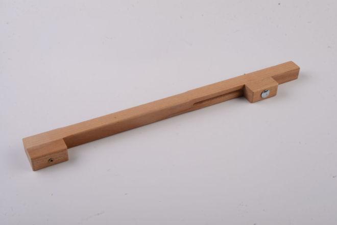 Instrumentы dlя montaža planok na konstrukcii krыši