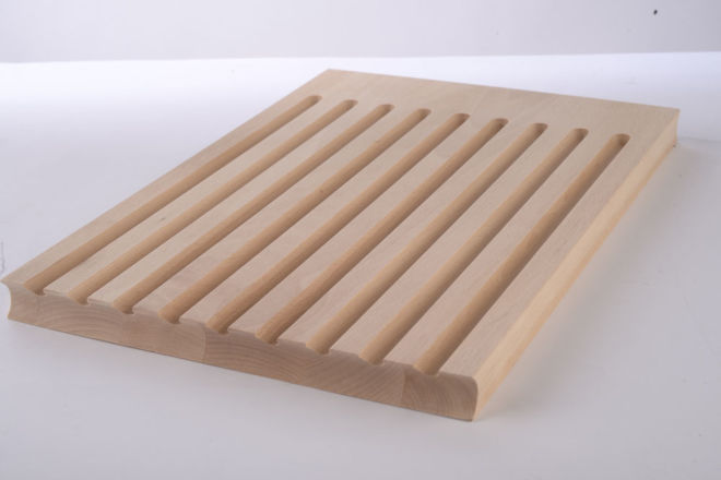 WOODEN BREAD PLATE FOR CUTTING BREAD