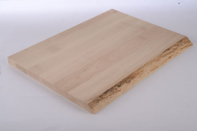 WOODEN MEAT BOARD WITH NATURAL EDGE