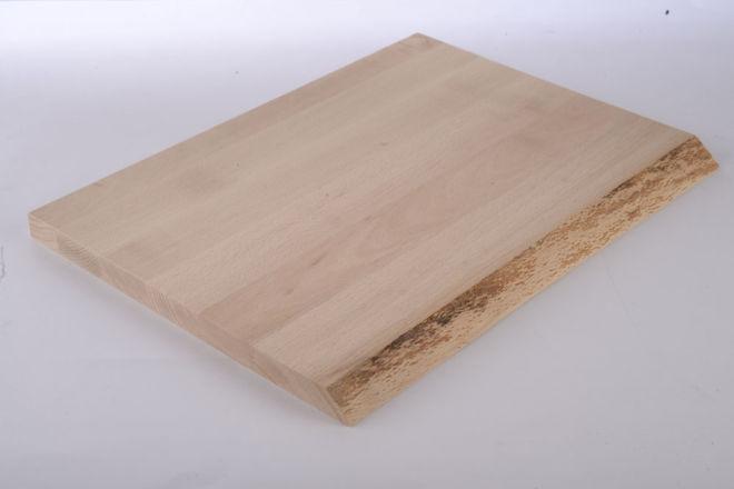 drvena daska za meso sa prirodnom ivicom