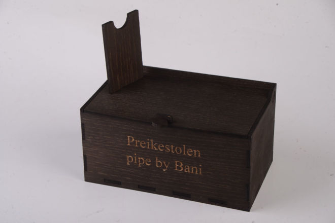 WOODEN BOX-STAND FOR TOBACCO PIPE