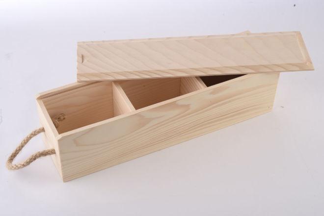 Mehrteilige Holzkästchen