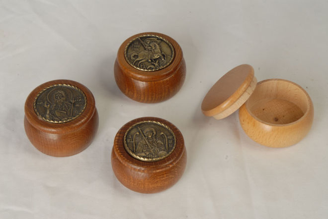 wooden incense bowls with a medallion