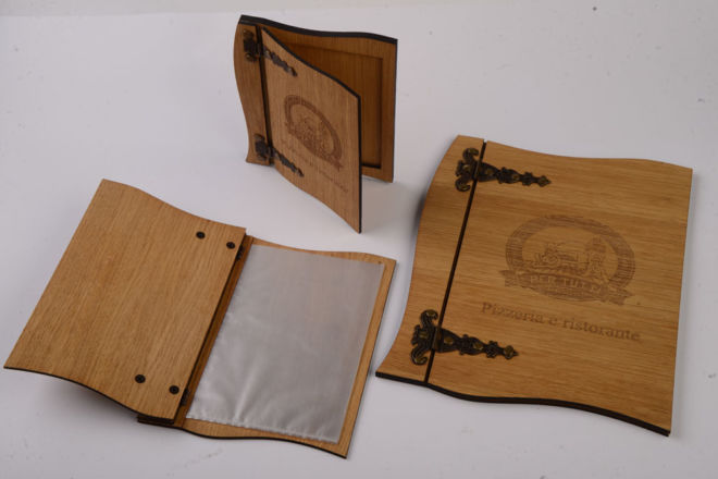 manu di legno