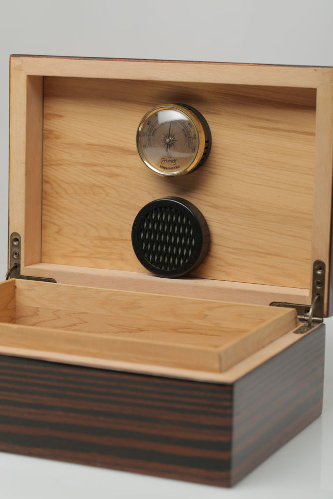 HYGROMETER IN HUMIDOR