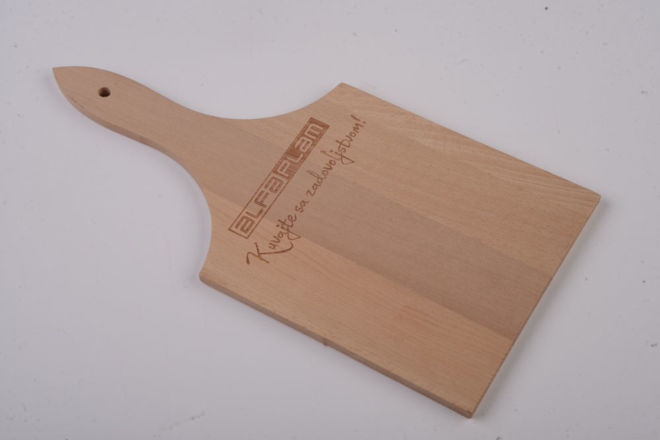BRANDED KITCHEN BOARD WITH HANDLE