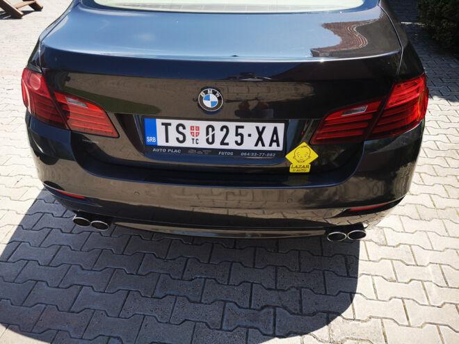 magnetni znak beba u autu